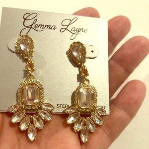 Lovely light gold earrings